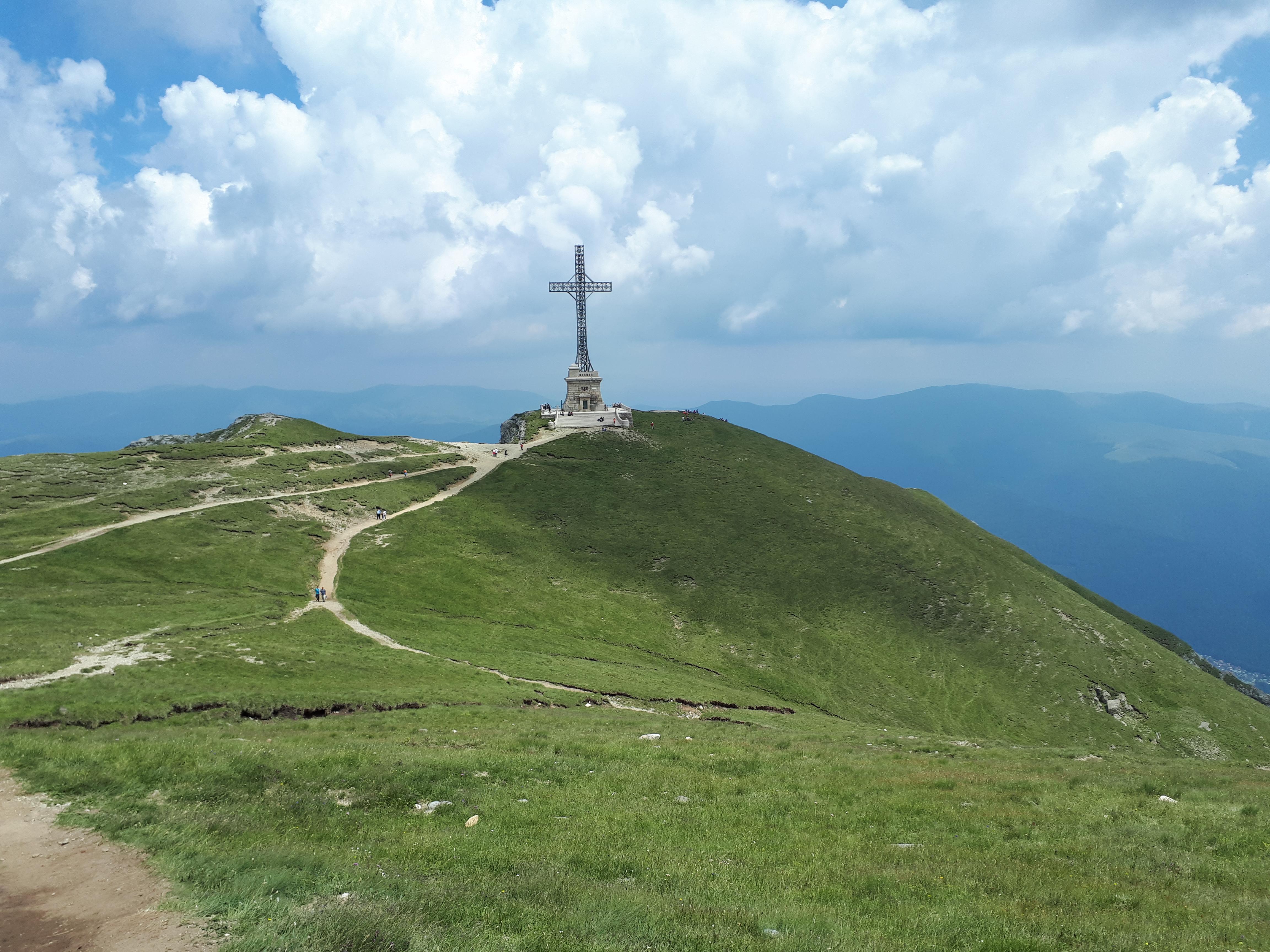 Trasee montane cu copii mici – Crucea Eroilor